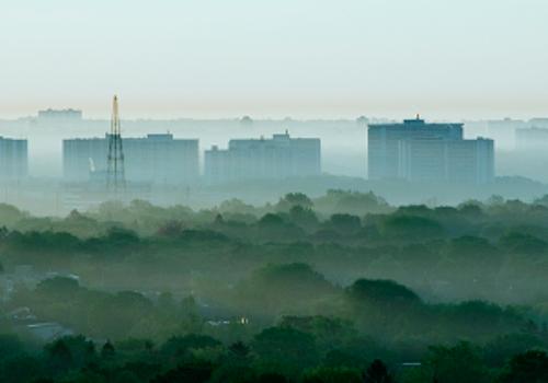 Aerul poluat pătrunde și în casa noastră!